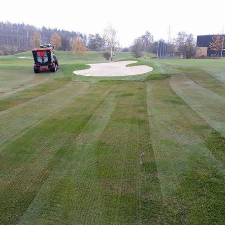 Photo taken at Golf Hostivař by Yext Y. on 1/18/2018