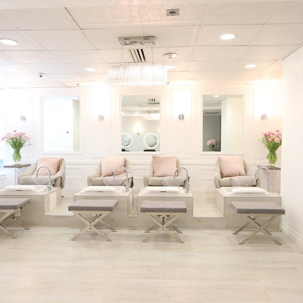 Neihule Nail Salon Los Angeles: Financial District