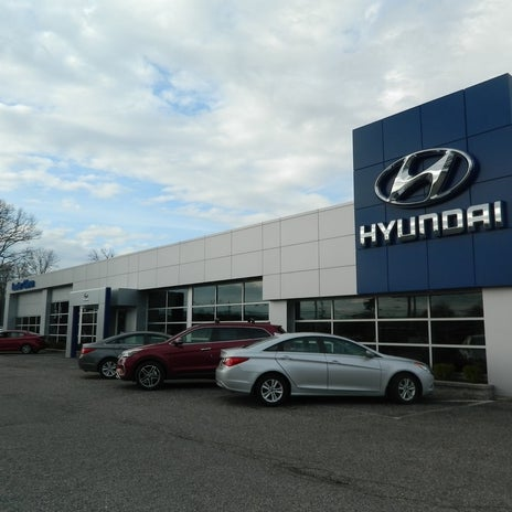 Photo Taken At Lester Glenn Hyundai By Yext Y. On 4/19/2017
