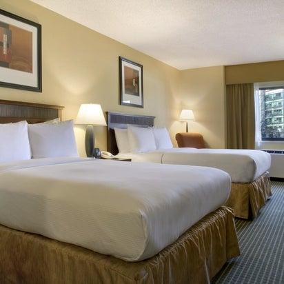 hilton arlington ballston virginia square 950 n stafford st. Black Bedroom Furniture Sets. Home Design Ideas