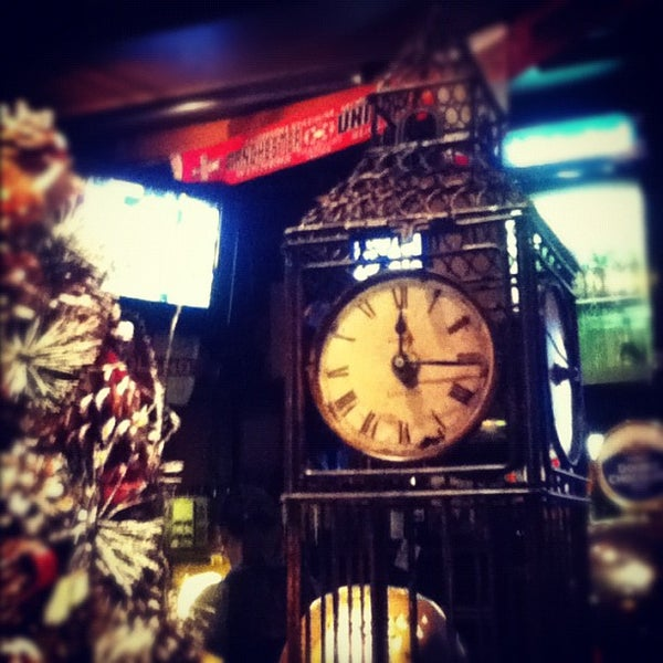 Снимок сделан в Bobby Dazzler Pub пользователем Vladimir L. 12/7/2012