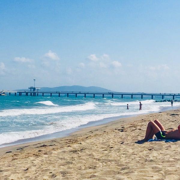 Foto scattata a Централен Плаж Бургас (Burgas Central Beach) da SuperTed il 9/3/2018