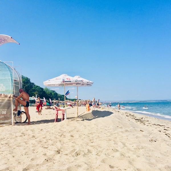 Foto scattata a Централен Плаж Бургас (Burgas Central Beach) da SuperTed il 8/31/2018