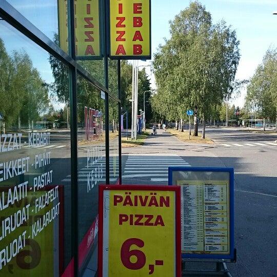 Foto diambil di Mega Pizza & Kebab oleh Herkko V. pada 8/10/2014