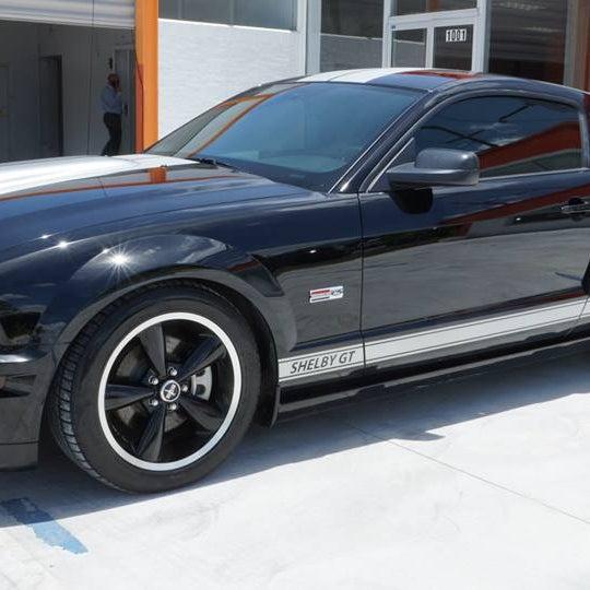 Luxury Car Lot: Jumbo Luxury Cars
