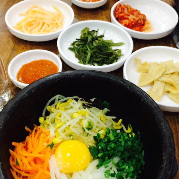 Photo taken at 푸드코트bon by NucH p. on 3/23/2015