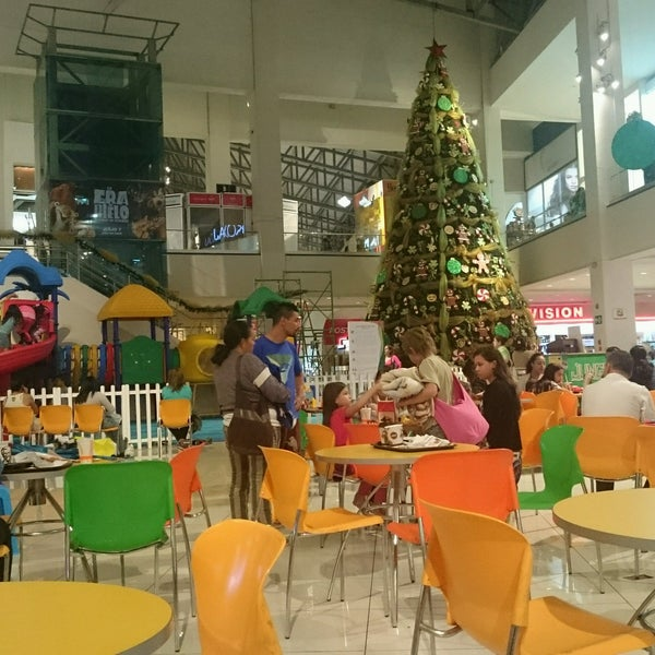 Photo taken at Food Court Terramall by Jorge B. on 11/18/2016