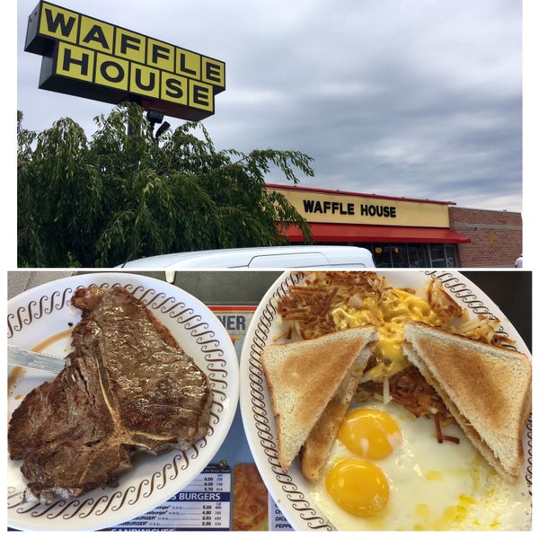 Photo taken at Waffle House by Mike M. on 8/26/2016