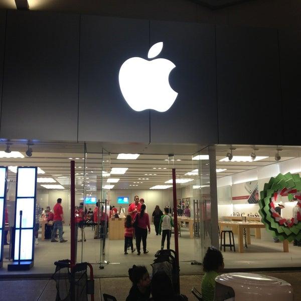 Photo taken at Apple La Cantera by Sherry M. on 12/20/2012