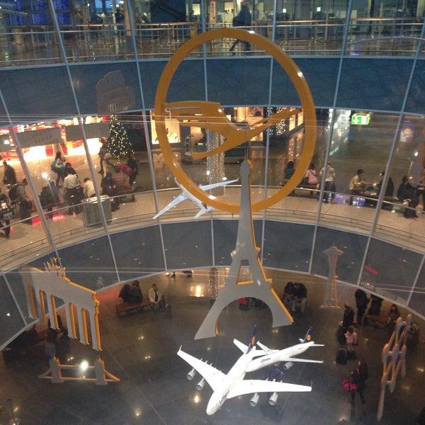 Das Foto wurde bei Frankfurt Airport (FRA) von Alona G. am 12/20/2015 aufgenommen