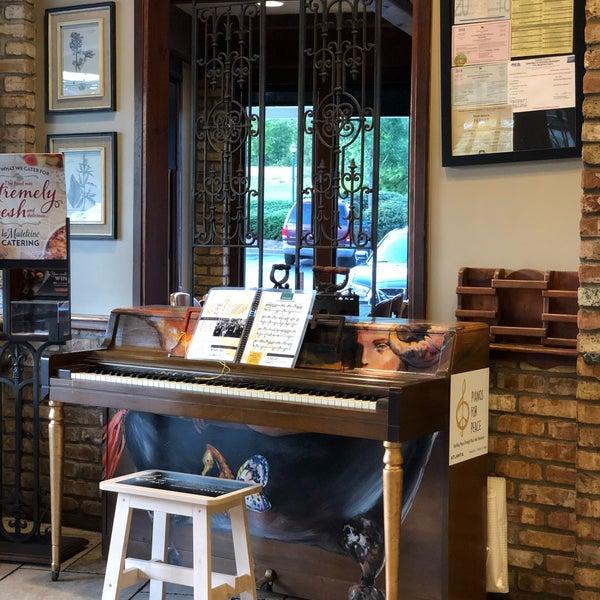 La Madeleine Bakery Cafe Amp