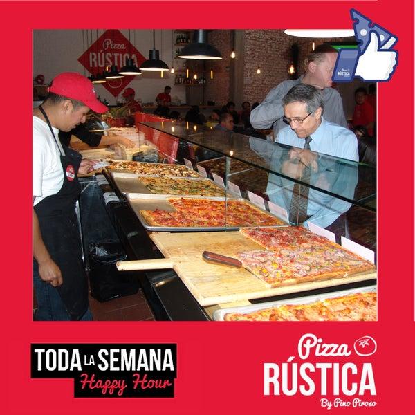 Foto tomada en Pizza Rustica por Pizza Rustica el 8/5/2014