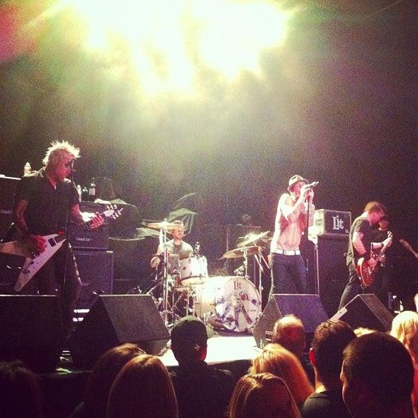 รูปภาพถ่ายที่ Summit Music Hall โดย Rande K. เมื่อ 10/2/2012