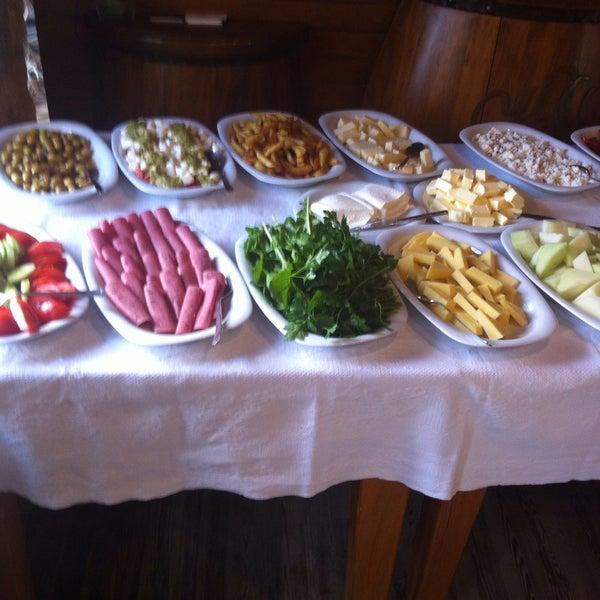12/3/2017 tarihinde Serap Filiz Ö.ziyaretçi tarafından Kekik Restaurant'de çekilen fotoğraf