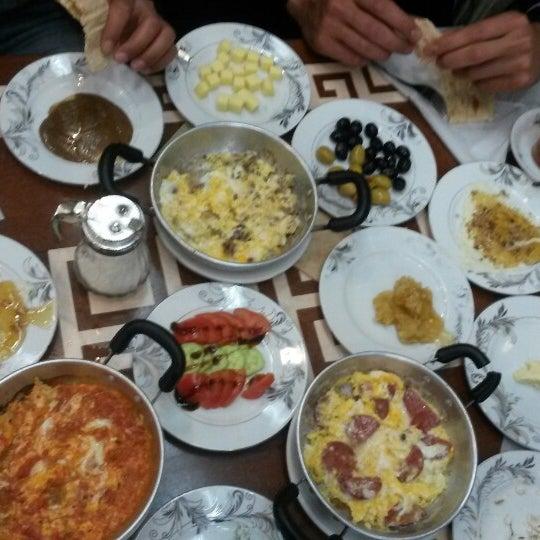 4/19/2015 tarihinde Yusuf K.ziyaretçi tarafından Yeni İmsak Kahvaltı Salonu'de çekilen fotoğraf