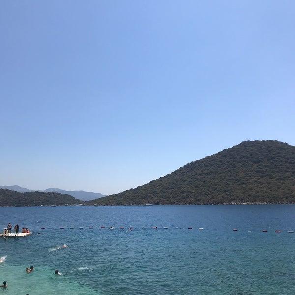 Das Foto wurde bei Olympos Mocamp Beach Club von Serap Ç. am 8/24/2018 aufgenommen