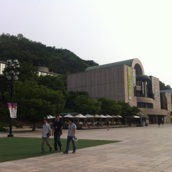 Photo taken at Seoul Arts Center by Ga young on 6/8/2013