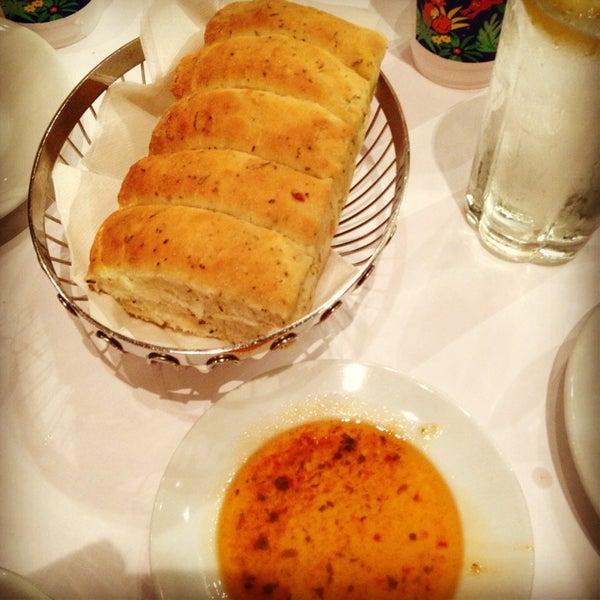 Das Foto wurde bei BRAVO! Cucina Italiana von Jenn am 6/29/2013 aufgenommen