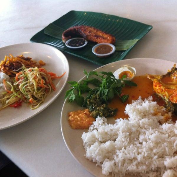 Photo taken at Restoran Sambal Hijau by Ratu Khadijah I. on 2/3/2013