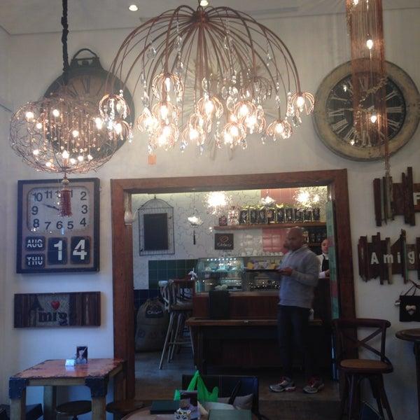 Foto tirada no(a) Florbela Café por Andressa B. em 8/14/2014