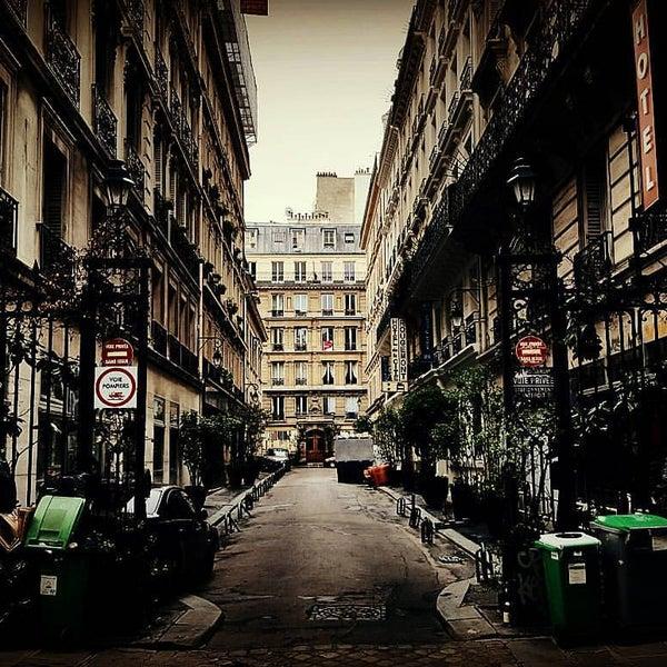 Modern Montmartre Hotel Paris
