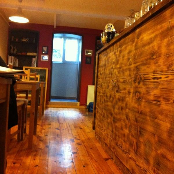 4/21/2013 tarihinde tolga s.ziyaretçi tarafından Semolina Kafe & Restoran'de çekilen fotoğraf
