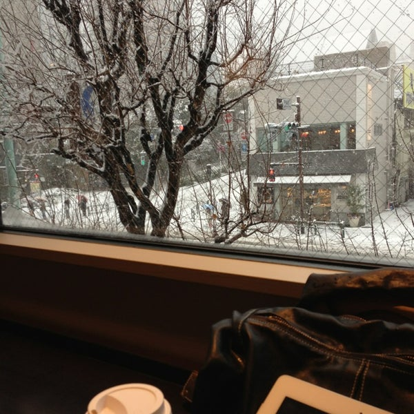 Photo taken at Starbucks by June 7. on 1/14/2013