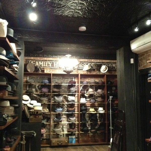 Снимок сделан в Goorin Bros. Hat Shop - West Village пользователем Bianca C. 2/10/2013