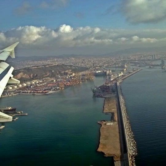 Photo taken at OneOcean Port Vell Barcelona by Tiago C. on 8/28/2014