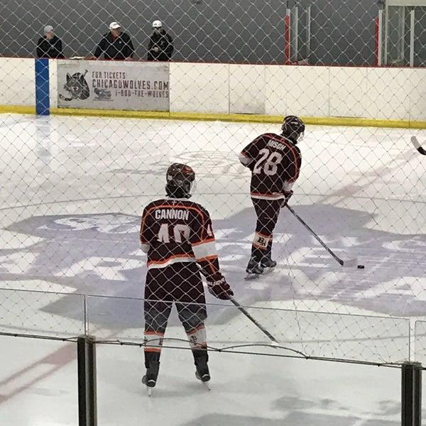 รูปภาพถ่ายที่ Southwest Ice Arena โดย Lynn J. เมื่อ 2/9/2017