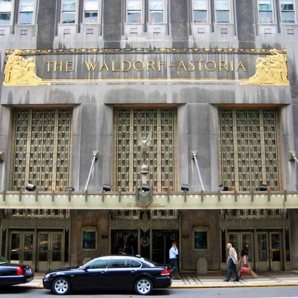 Photo taken at Waldorf Astoria New York by Ric M. on 4/20/2013
