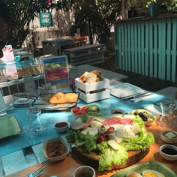 7/30/2017에 Zeynep S.님이 Büyükada Bistro Candy Garden에서 찍은 사진