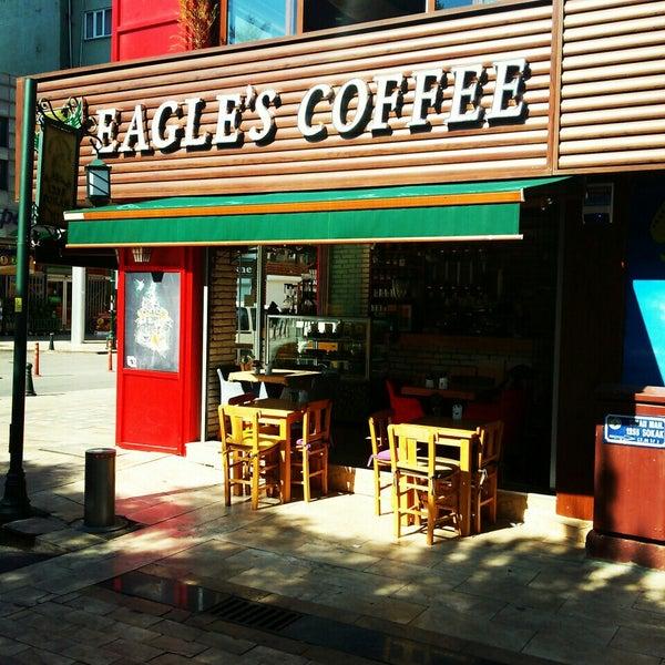 6/30/2015 tarihinde ahmet k.ziyaretçi tarafından Eagle's Coffee'de çekilen fotoğraf