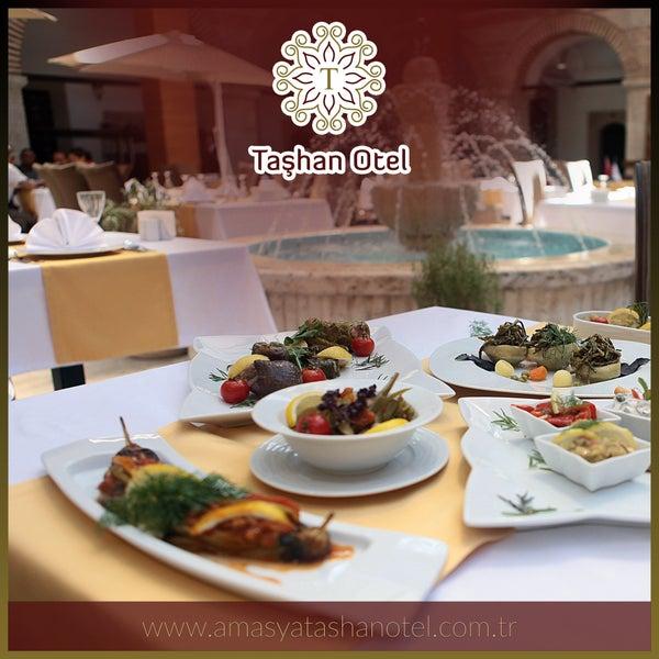 En lezzetli sofralar Taşhan Otel'de. Bilgi ve rezervasyon için 0 (358) 212 99 00 davetlisiniz!
