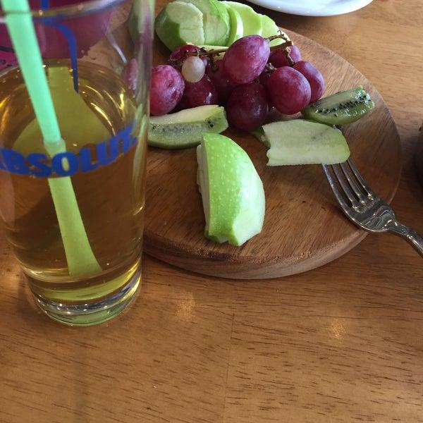 10/10/2016 tarihinde Lütfi A.ziyaretçi tarafından Ugi's Cafe & Bistro'de çekilen fotoğraf