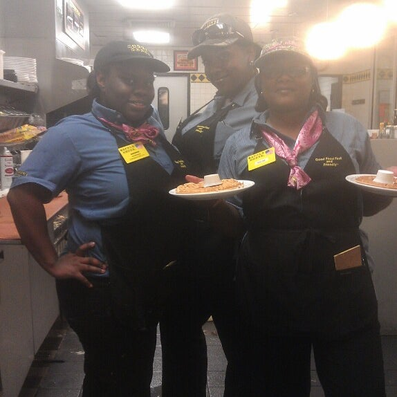 Photo taken at Waffle House by 🍀Phillip G. on 10/5/2013
