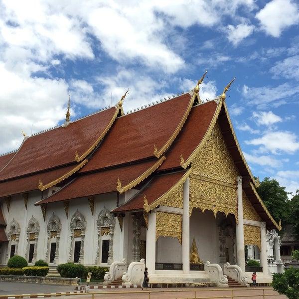 Photo taken at Wat Chedi Luang Varavihara by Mayskie on 6/10/2015