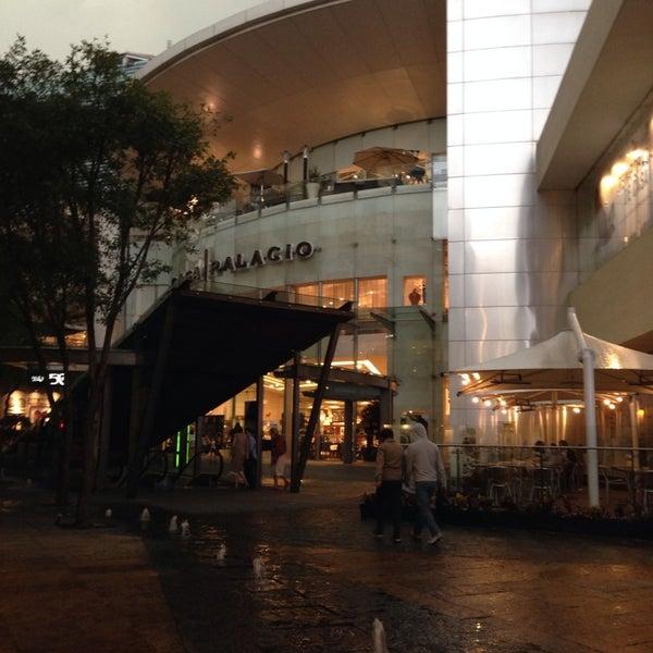 Foto tomada en Antara Fashion Hall por Alonso B. el 7/20/2013