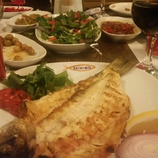 5/2/2015 tarihinde Kemal T.ziyaretçi tarafından Ekonomik Balık Restaurant Avanos'de çekilen fotoğraf