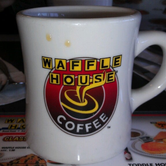 Photo taken at Waffle House by Rob A. on 6/9/2013