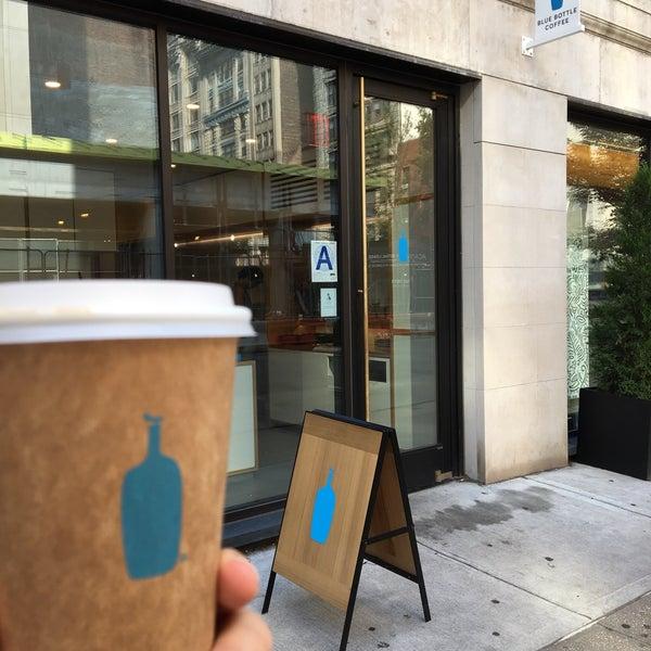 7/28/2018 tarihinde Nick J.ziyaretçi tarafından Blue Bottle Coffee'de çekilen fotoğraf
