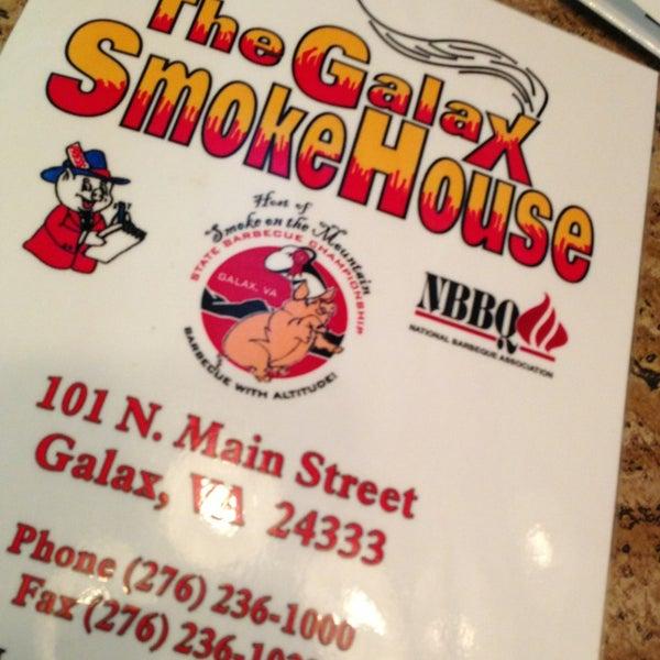 Foto tirada no(a) The Galax Smokehouse por Monica P. em 7/19/2013