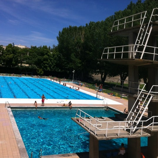 Fotos en piscina complutense ciudad universitaria for Piscina complutense madrid