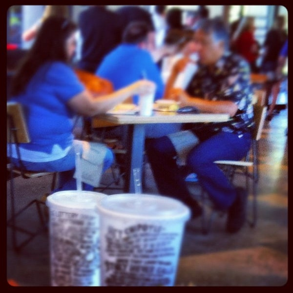 Photo taken at Chipotle Mexican Grill by Anthony T. on 6/22/2012