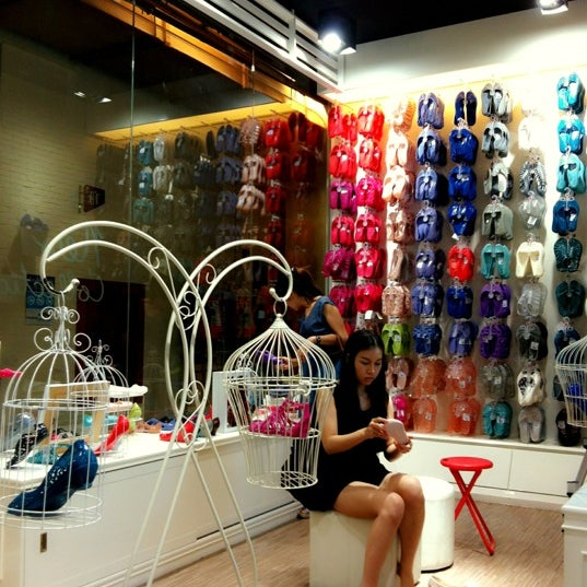 Photo taken at Jelly Bunny by 🌀PlaKlap🔆ng🌀 on 3/4/2012