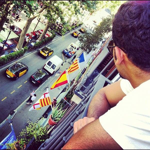 Foto tomada en Hotel Arc La Rambla por Hamad A. el 5/30/2012