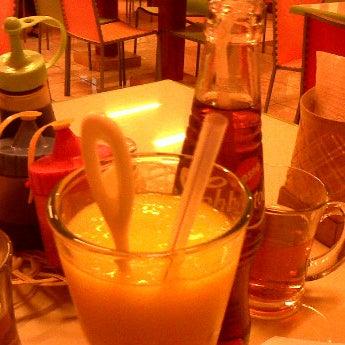 Photo taken at Aloha Aina Chef Dimas -Refined Hawaiian Cuisine by Chef Dimas Soeyono. by Gilang B. on 6/21/2012