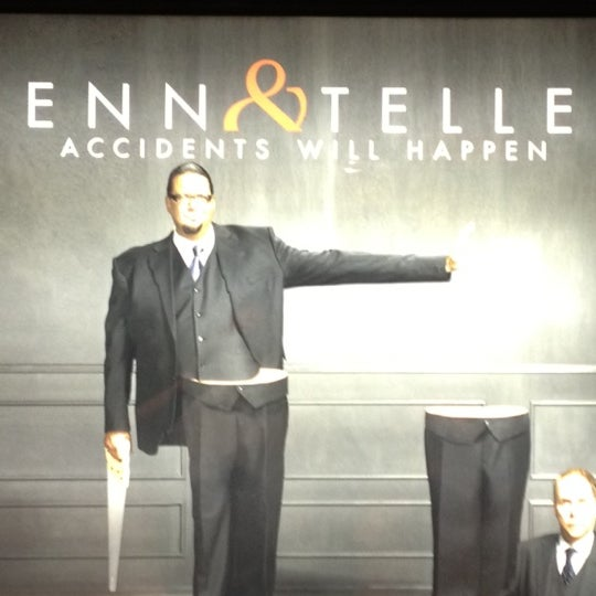 Foto tomada en Penn & Teller Theater por Josh el 7/22/2012