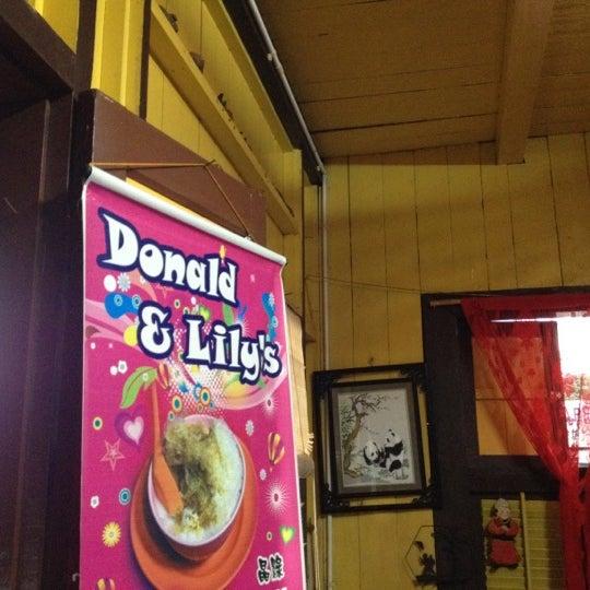 Photo taken at Donald & Lily Nyonya Food by Kah Wai on 2/18/2012