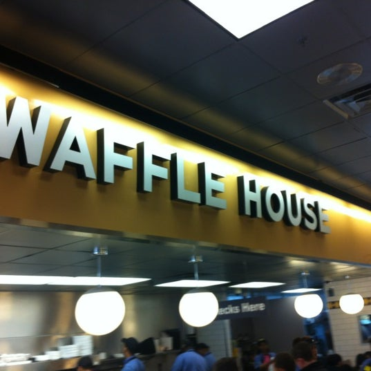 Photo taken at Waffle House by M S. on 2/26/2012